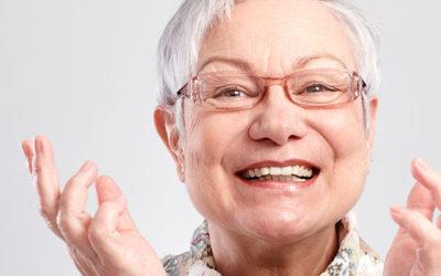 Hábitos de higiene bucal deben seguir los adultos mayores